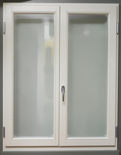 Porte e finestre in legno wooden windows and doors for Infissi in legno bianco